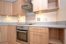 2 bedroom Flat in Yoxall Close, Redhill...