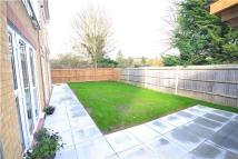 2 bed Flat to rent in Monson Road, Redhill...