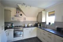 2 bedroom Flat in London Road, Redhill...