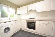Flat to rent in Lyndale Court...