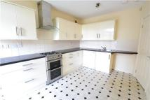 Flat to rent in Station Road North...