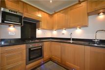Flat to rent in Reed Drive, Redhill...