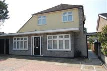 Flat to rent in COLLIER ROW