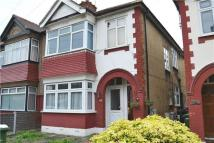 Flat to rent in CHADWELL HEATH