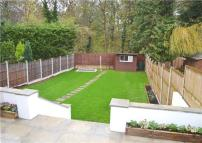4 bed semi detached home to rent in LAKERISE, ROMFORD