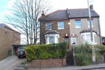 Flat to rent in 27a Honey Lane Waltham...