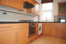 2 bedroom Flat to rent in Ellison Road, Streatham...