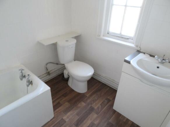 2n Bathroom