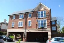 Flat to rent in Amherst Road,  TN4 9LG