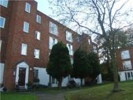 Flat to rent in Freshwood Way...