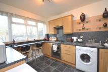 Flat to rent in Burnt Ash Hill London...