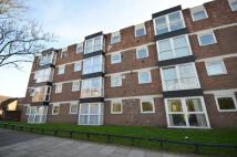 Flat for sale in Middle Park Avenue...