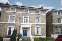 Ground Flat in Shooters Hill Road...