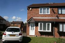 3 bedroom semi detached house to rent in Heathers Croft, Netherton