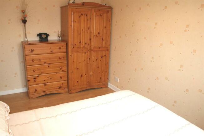 bed32.jpg