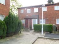 2 bed property to rent in Grange Crescent...