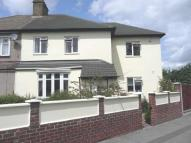 4 bed semi detached house in Hind Crescent...