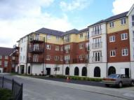 Apartment in Pettacre Close...