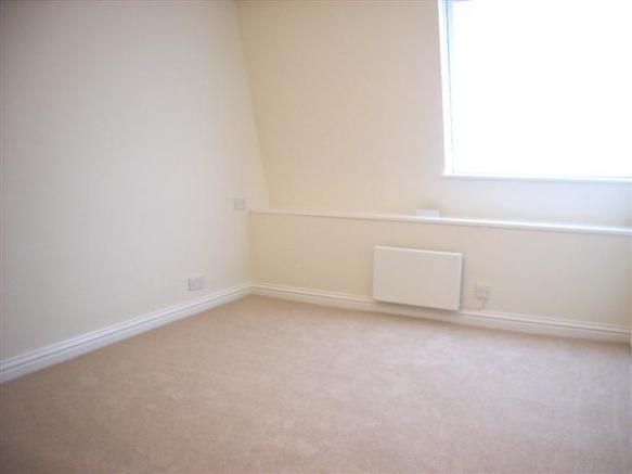 Bedroom (rear)