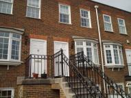 Ground Maisonette to rent in Regency Way, Bexleyheath...