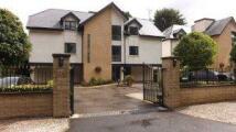 2 bedroom Flat to rent in Hale 2 beds (Heath Road)