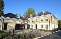 7 bed Detached home in Charters Road...