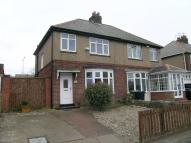 3 bedroom semi detached property to rent in Holmside Avenue, Dunston...