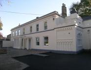 2 bed Apartment in Front Street, Whickham...
