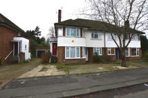 2 bed Maisonette to rent in The Broadway...