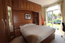 2 bed Flat to rent in Lowlands Road, Harrow...