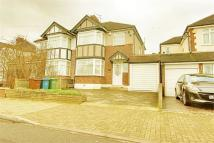 3 bed Detached home in Beaulieu Drive, Pinner...