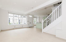 2 bed house to rent in Gloucester Place Mews...