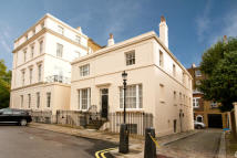 5 bed house to rent in Brunswick Place, London