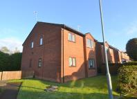 Flat in Mayfield Close, Catshill...