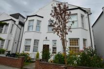 1 bed Flat to rent in Robinson Road, London...