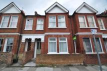 2 bedroom Flat in College Road...
