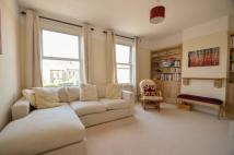 Flat in Hartfield Road, London...
