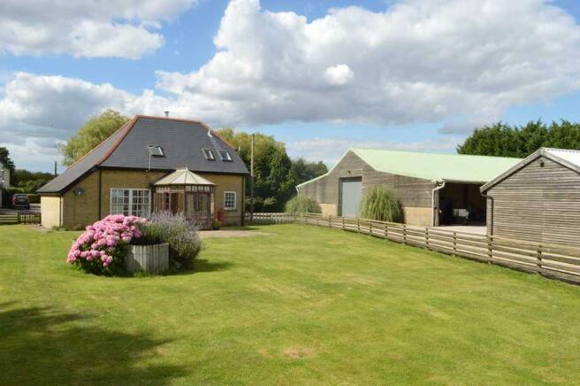 Cottage / Barns