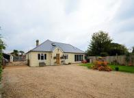 4 bedroom Detached house for sale in Lympne, CT21