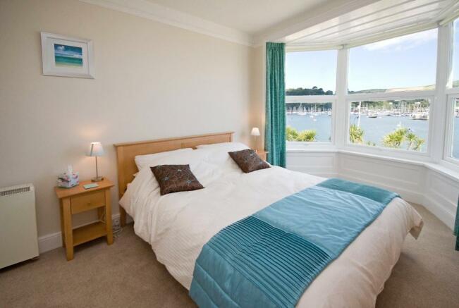 bedroom - upper apar