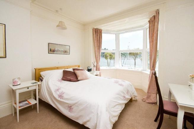 bedroom - lower apar