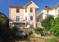 Detached property in Salcombe Town
