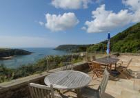 Detached house in Salcombe Town