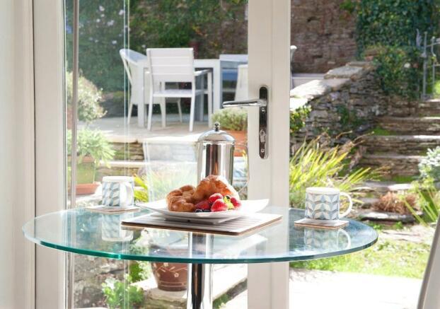 indoor/outdoor tea