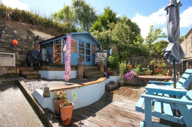 Garden & Summerhouse