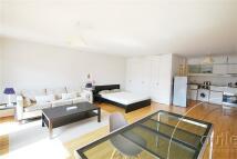Studio apartment to rent in Barbican, London