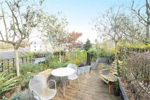 Maisonette for sale in Bonnington Square...