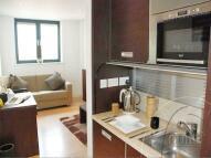 Studio apartment to rent in Kilburn High Road...