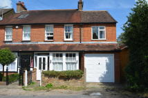 3 bed semi detached house to rent in Gerrards Cross