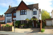 Cottage to rent in Central Gerrards Cross